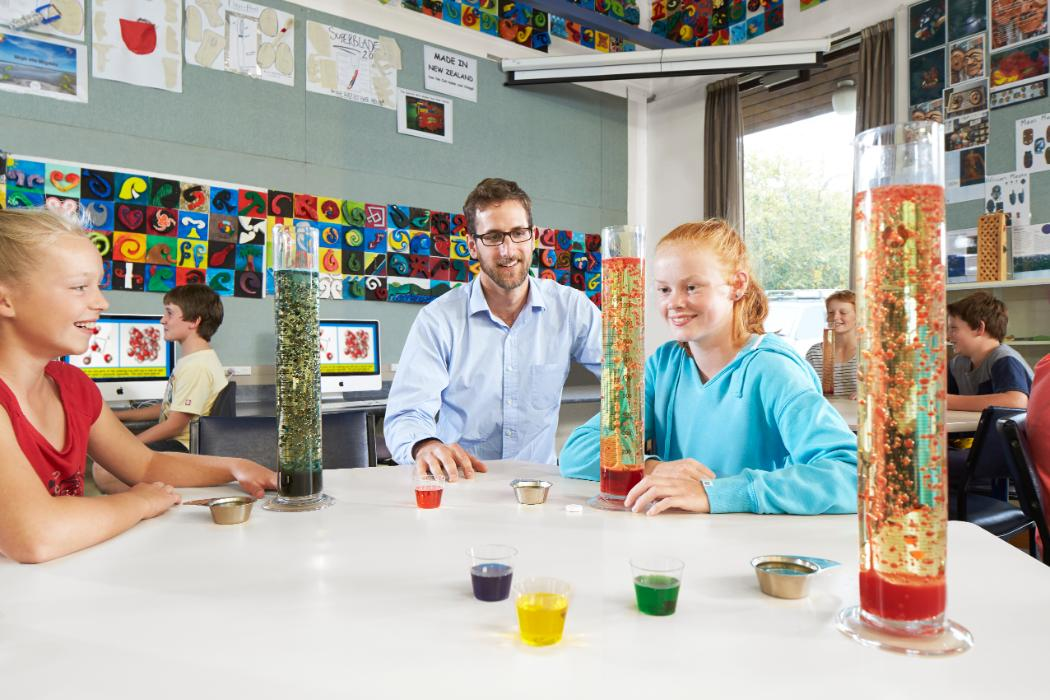 Primary Science - male teacher